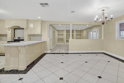 El Paso Single Family Home For Sale: 153 Puma Circle