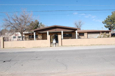 El Paso Single Family Home For Sale: 219 Smith Road