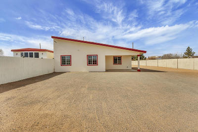 Single Family Home For Sale: 3641 Portales Avenue