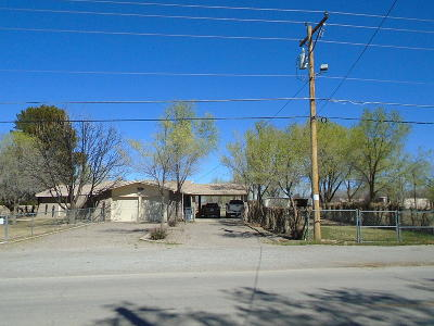 El Paso Single Family Home For Sale: 851 Gomez Road