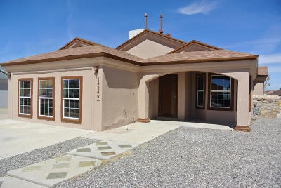 Horizon City Single Family Home For Sale: 14349 Desert Wind Drive