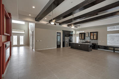 El Paso Single Family Home For Sale: 977 Gomez Road