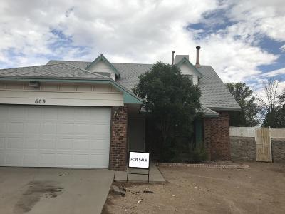 El Paso Single Family Home For Sale: 609 Woodlark Place
