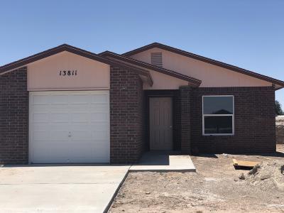 Single Family Home For Sale: 13811 Alamito Creek Avenue