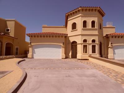 Las Palmas Single Family Home For Sale: 11684 Dos Palmas Dr Unit B Drive