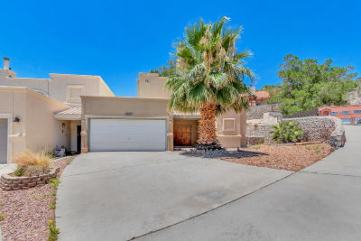 Mission Hills Single Family Home For Sale: 4749 Sir Gareth Drive #B