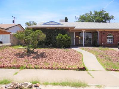 Single Family Home For Sale: 3445 Dundee Street