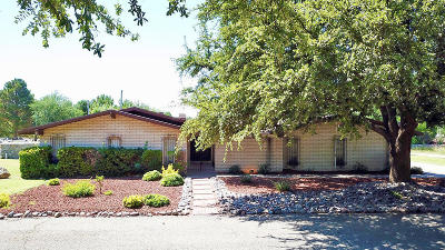 Single Family Home For Sale: 724 Live Oak Drive