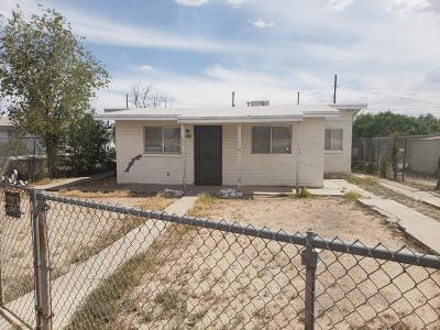 Single Family Home For Sale: 8744 Roseway Drive