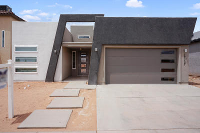 Single Family Home For Sale: 12337 Desert Dove Avenue
