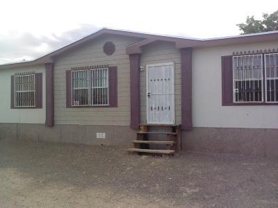 Single Family Home For Sale: 932 Luna Drive