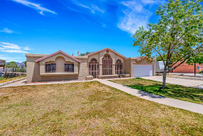 Single Family Home For Sale: 5620 Green Castle Road