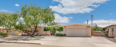 Single Family Home For Sale: 8712 Catalpa Lane