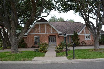 McAllen Single Family Home For Sale: 111 N E Augusta Square