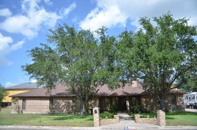 Weslaco Single Family Home For Sale: 703 S Lancelot Drive