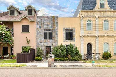 McAllen Condo/Townhouse For Sale: 6833 N 5th Street