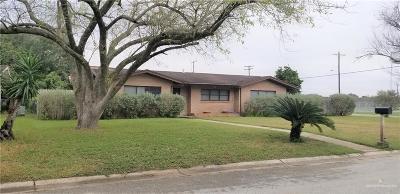Single Family Home For Sale: 383 E McCain Avenue