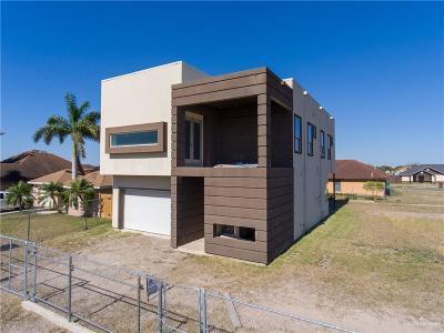 Pharr Single Family Home For Sale: 907 W Dipper Avenue