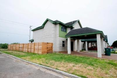 Pharr Condo/Townhouse For Sale: 2701 Melanie Drive