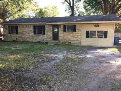 Whitehouse Single Family Home For Sale: 302 Acker