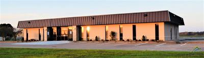 Lindale Commercial Lease For Lease: 2501 S Main St.