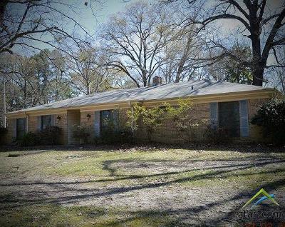 Daingerfield TX Single Family Home For Sale: $130,000