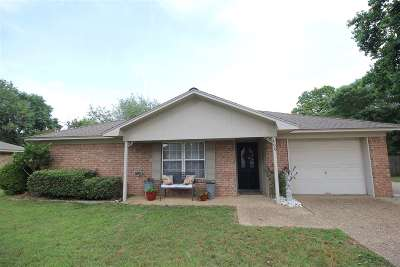 Whitehouse TX Single Family Home For Sale: $133,500