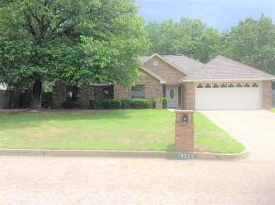 Flint Single Family Home For Sale: 19211 Valley Dr.