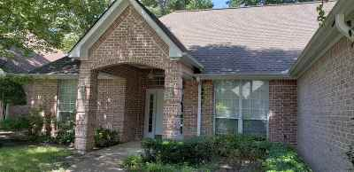Single Family Home For Sale: 3807 Long Leaf