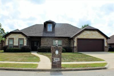 Longview Single Family Home For Sale: 5020 Rustic Oak Drive