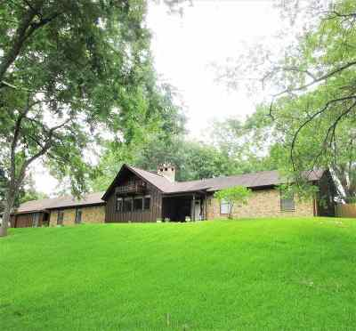 Single Family Home For Sale: 1005 Canada