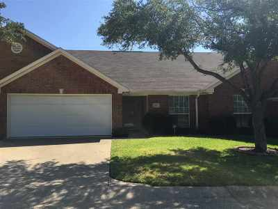 Tyler Condo/Townhouse Contingent - Active: 5401 Hollytree Dr #2402