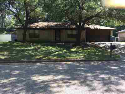 Whitehouse Single Family Home For Sale: 1111 Donna Dr