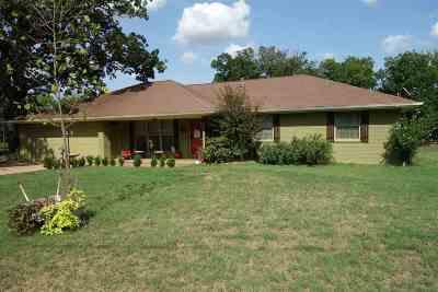 Mt Vernon TX Single Family Home For Sale: $139,900
