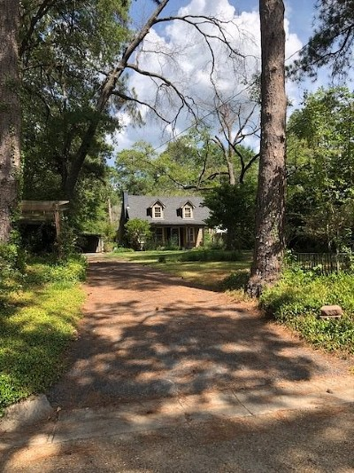 Kilgore Single Family Home For Sale: 208 Thompson Street