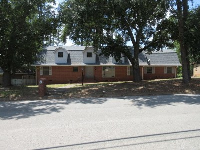 Single Family Home For Sale: 911 Forest Trl