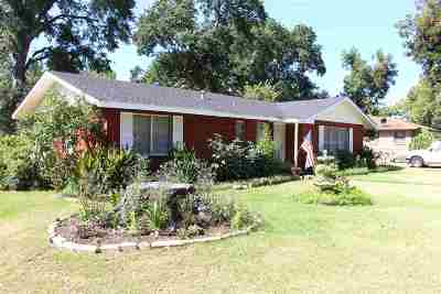 Mineola TX Single Family Home For Sale: $120,000