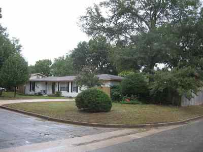 Tyler Single Family Home For Sale: 2101 Airline Dr.