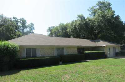 Wood County Single Family Home For Sale: 1520 Robin