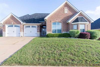 Lindale Single Family Home For Sale: 713 Whitebear Trail