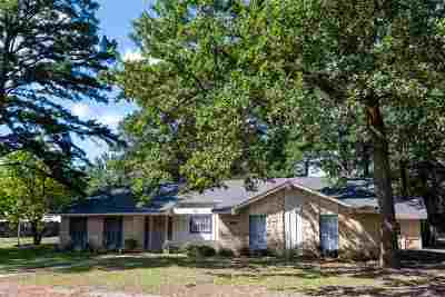 Hawkins TX Single Family Home For Sale: $140,000