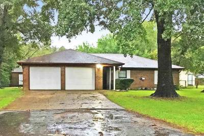 Tyler TX Single Family Home For Sale: $122,500