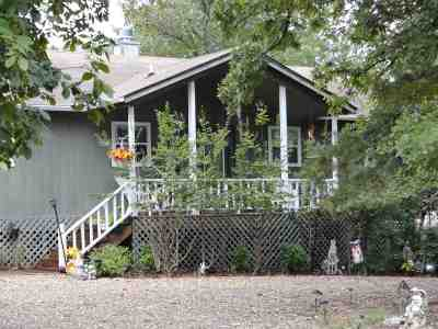 Holly Lake Ranch Single Family Home For Sale: 180 Primrose