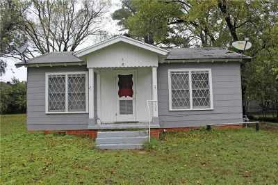 Grand Saline Single Family Home For Sale: 208 W Wolfe Street
