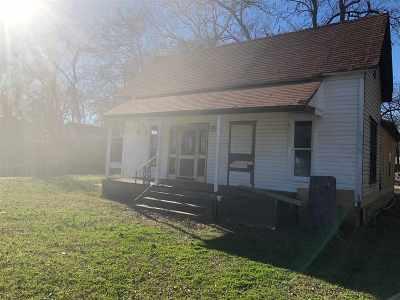 Winnsboro TX Single Family Home For Sale: $79,000