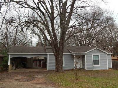 Lindale Single Family Home For Sale: 511 N College