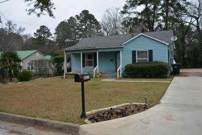 Longview Single Family Home For Sale: 1411 Valley Dr
