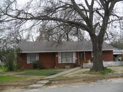 Tyler Single Family Home For Sale: 2522 N Industrial Ave