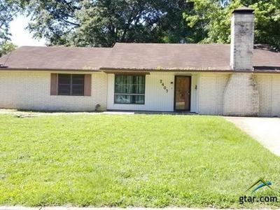 Tyler Single Family Home For Sale: 2407 E Devine