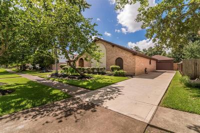 Single Family Home For Sale: 16410 Brookvilla Drive